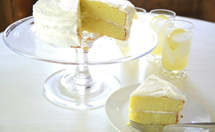 Lemonade and Sponge Cake
